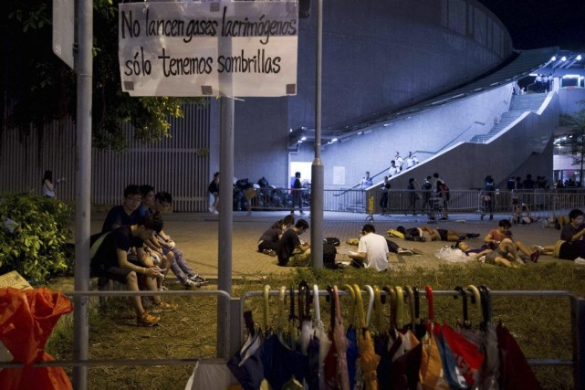 Lundi soir, plusieurs dizaines de milliers de personnes,... (Photo: AFP)