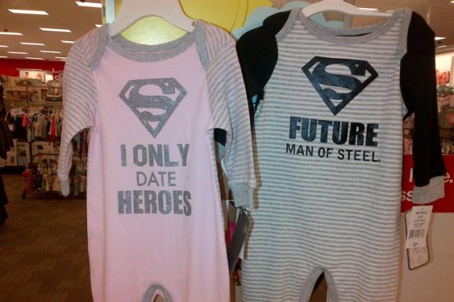 Certains modèles de pyjamas pour bébés vendus par le détaillant Target ont été... (Photo: PC)