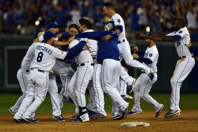 Les joueurs des Royals de Kansas City célèbrent... (Photo Peter G. Aiken, USA Today)