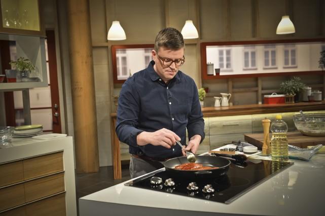 Pour la deuxième saison de Qu'est-ce qu'on mange... (Photo: fournie par Radio-Canada)