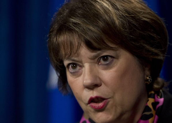 La ministre Hélène David... (La Presse Canadienne)