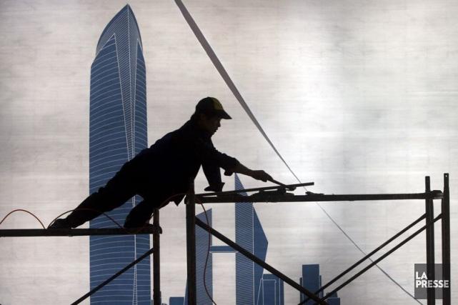 La faiblesse continue du marché immobilier continue de... (Photo Reuters)