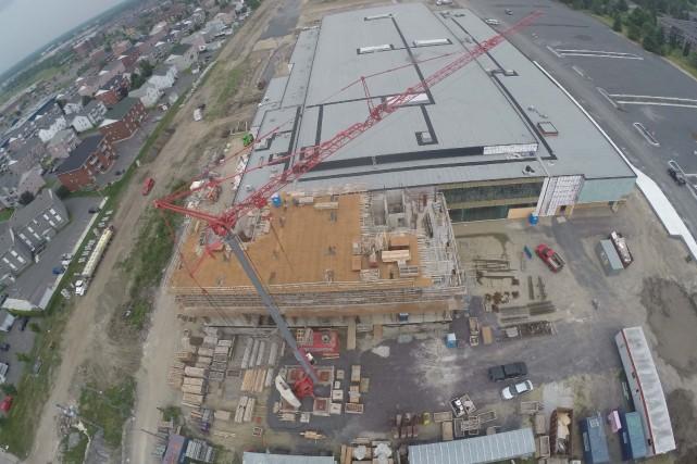 La construction de l'hôtel annexée au centre de... (Photo collaboration spéciale Éric Beaupré)