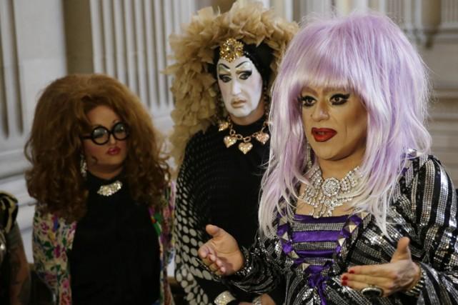 Les drag queenssoeur Roma et Lil Miss Hot... (Photo: AP)