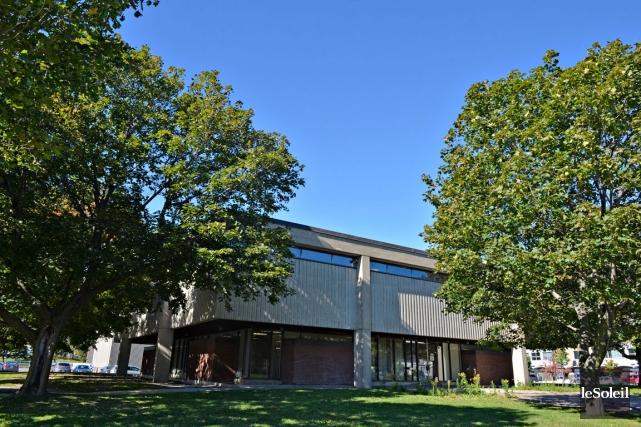 L'acquéreur de l'ancienne bibliothèque aura 18 mois pour... (Le Soleil, Pascal Ratthé)