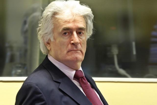 Radovan Karadzic, 69 ans, est notamment accusé du... (PHOTO MICHAEL KOOREN, ARCHIVES AFP)