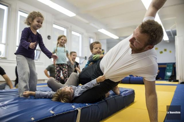 Enseigner les rudiments du judo aux très jeunes... (Photo: Stéphane Lessard, Le Nouvelliste)