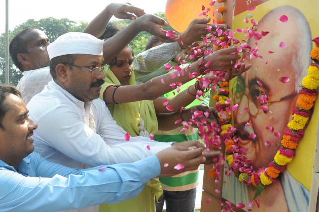 L'Inde célèbre aujourd'hui le 145e anniversaire de naissance... (PHOTO NARINDER NANU, AFP)