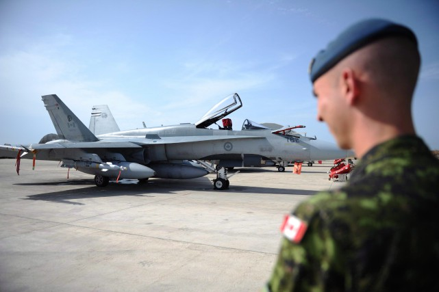 En plus des six CF-18, de deux appareils... (Archives La Presse Canadienne)