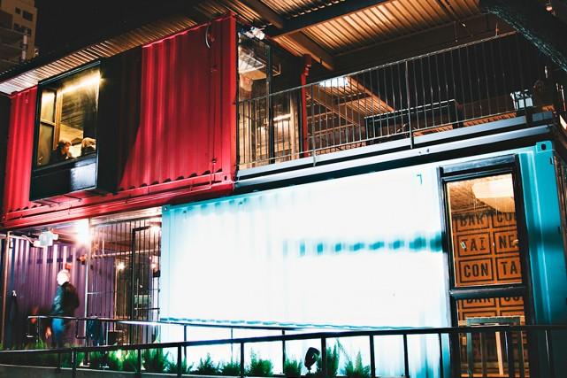 Le Container Bar est fait de conteneurs recyclés.... (PHOTO FOURNIE PAR LE CONTAINER BAR)