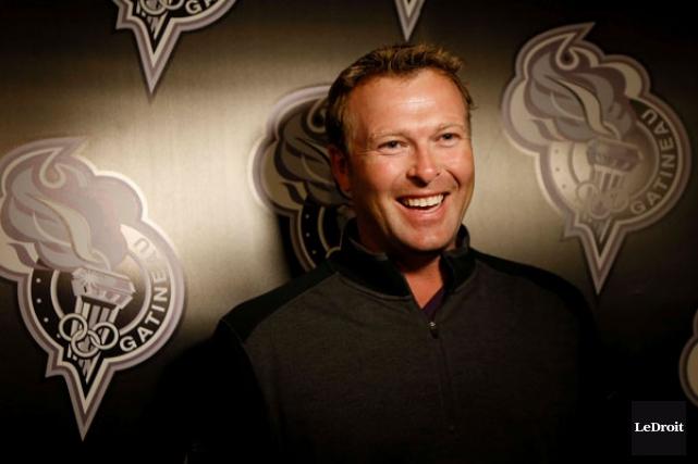 Ce n'est pas tous les jours qu'une légende de la Ligue nationale de hockey... (SIMON SÉGUIN-BERTRAND, LeDroit)