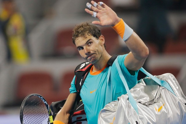 Rafael Nadal salue la foule après sa défaite... (Photo Jason Lee, Reuters)