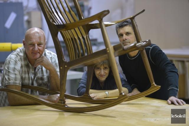 Les ébénistes Yves Bergeron, Pierre Hallé et Josée... (Le Soleil, Yan Doublet)