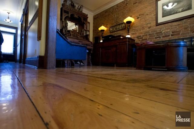 Si le sol du salon a besoin d'un... (PHOTO OLIVIER JEAN, LA PRESSE)