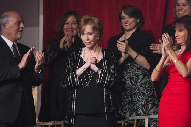 Carol Burnett (au centre) lors d'un précédent hommage... (Photo: archives Reuters)