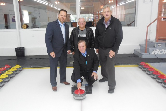 Le Tournoi provincial de curling senior propose un... ((Courtoisie))