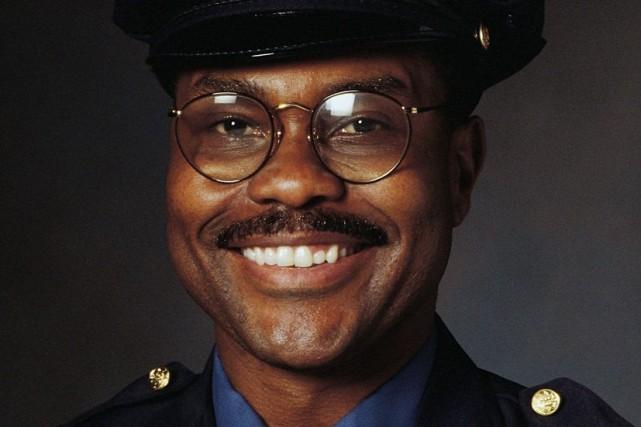 Le Zimbabwe demande à ses policiers de paraître moins sévères... en souriant. (Photo Thinkstock)