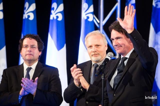 Jean-François Lisée (au centre), un des candidats possibles... (Photothèque Le Soleil)