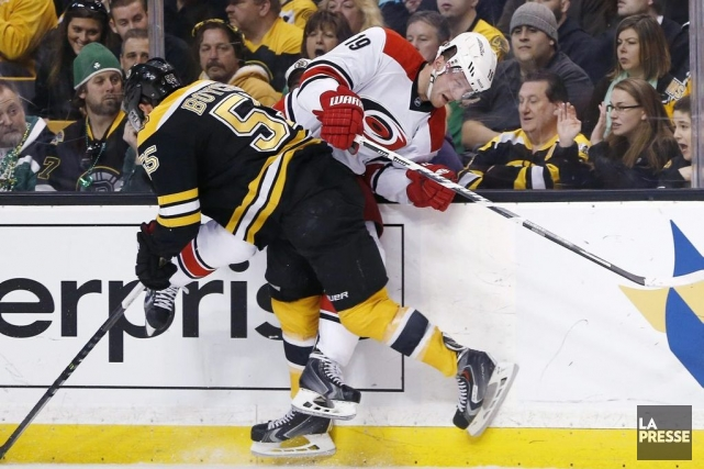 Le nom de Johnny Boychuk revenait souvent dans les... (PHOTO MICHAEL DWYER, ARCHIVES AP)