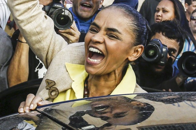 Marina Silva, propulsée de manière inattendue dans la... (PHOTO MIGUEL SCHINCARIOL, AFP)