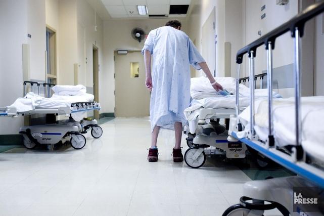 Environ 30 % des lits de soins actifs... (Photo Martin Tremblay, archives La Presse)
