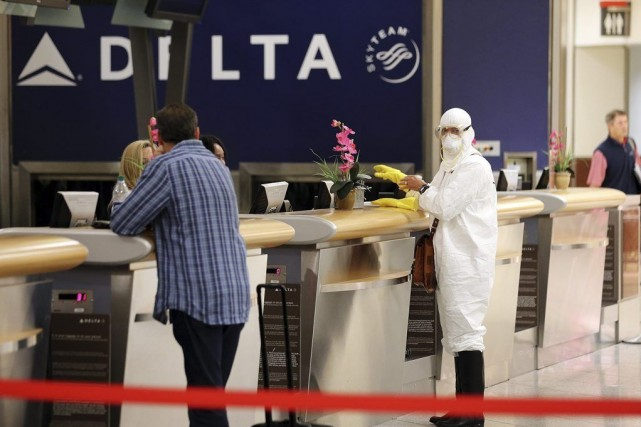 Deux jours après que le virus Ebola ait... (PHOTO JOHN SPINK, AP)