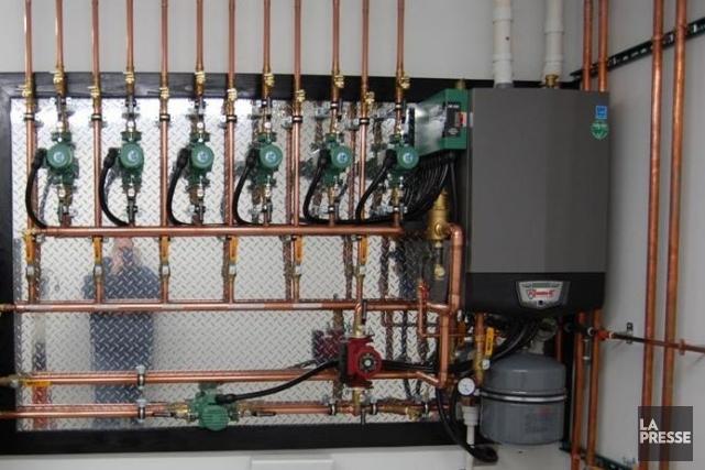 Une chaudière au gaz naturel... (Photo tirée du site www.lochinvar.com)