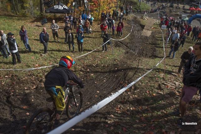 Les amateurs de descente en vélo de montagne... (Photo: Stéphane Lessard, Le Nouvelliste)