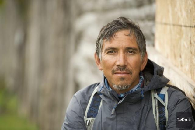 Stanley Vollant a parcouru plus de 4500 kilomètres... (Martin Roy, LeDroit)
