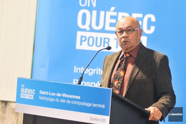 Le maire Jean-Claude Milot, lors de la cérémonie... (Photo: Émilie O'Connor, Le Nouvelliste)