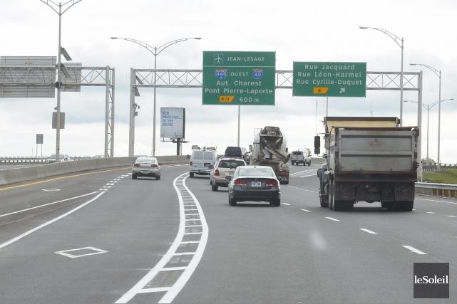 L'autoroute Robert-Bourassa... (Le Soleil, Jean-Marie Villeneuve)