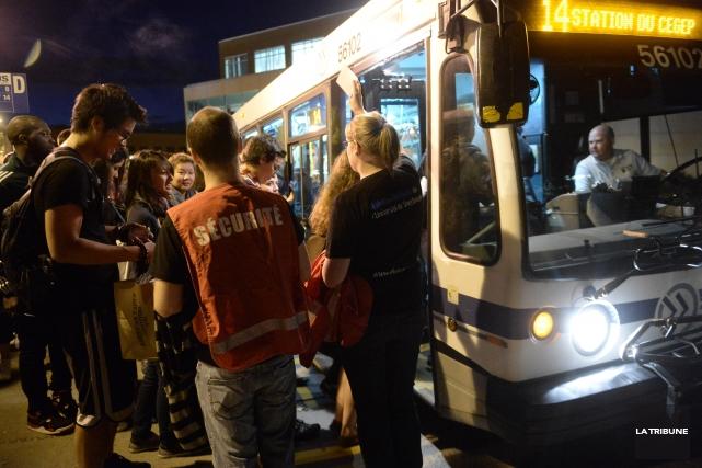 Les chauffeurs d'autobus du Service de transport de Sherbrooke (STS) en ont... (Archives La Tribune)