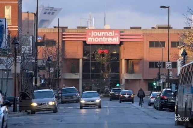Depuis un an, Québecor s'est départi de ses 74 hebdos au Québec, puis de ses... (Photo Alain Roberge, La Presse)