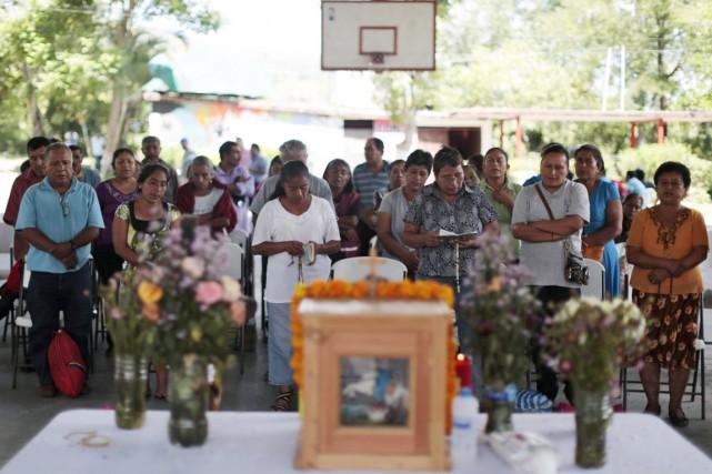 Près d'une semaine après la disparition de 43... (PHOTO JORGE DAN LOPEZ, REUTERS)
