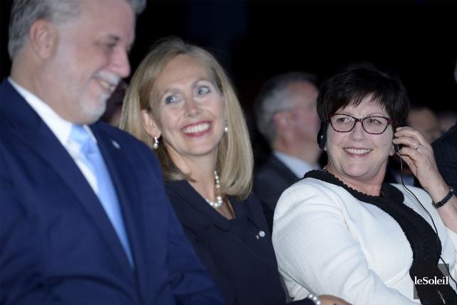 Le premier ministre du Québec, Philippe Couillard, avec... (Le Soleil, Jean-Marie Villeneuve)