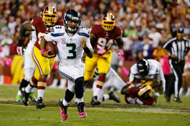 Le quart-arrière des Seahawks de Seattle Russell Wilson... (Photo Alex Brandon, AP)