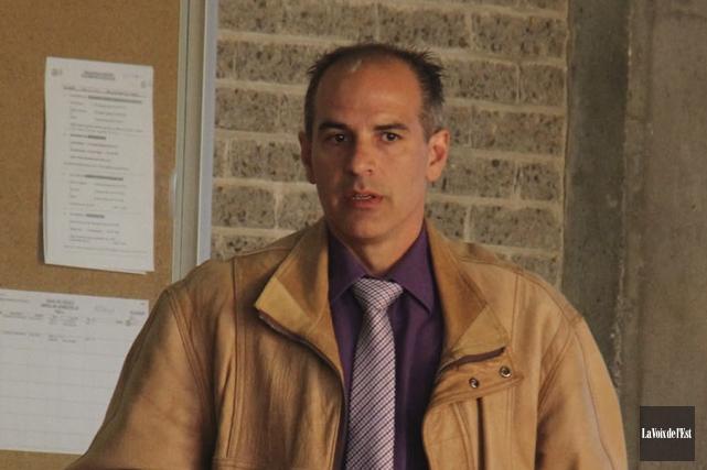 L'agent Michel Champagne, photographié au palais de justice... (photo archives La Voix de l'Est)