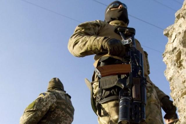 «Trois civils ont été tués et quatre blessés... (PHOTO ANATOLII BOIKO, AGENCE FRANCE-PRESSE)