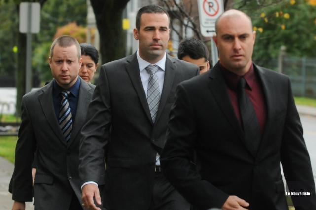 Les quatre policiers accusés au criminel dans l'affaire... (Photo Archives: François Gervais Le Nouvelliste)