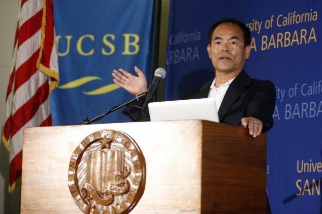 Shuji Nakamura, 60 ans, était un ingénieur au... (PHOTO LUCY NICHOLSON, REUTERS)