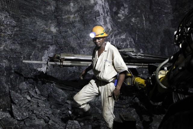 La compagnie minière britannique London Mining s'est effondrée mercredi à la... (Photo archives Reuters)