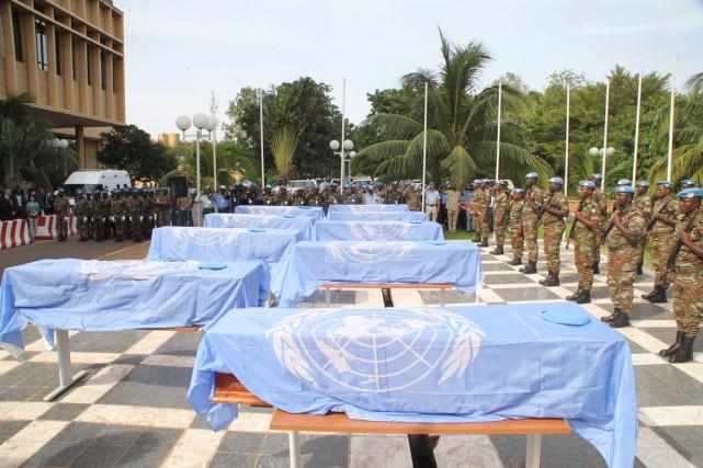 Neuf membres nigériens et un membre sénégalais de... (PHOTO HABIBOU KOUYATE, ARCHIVES AFP)
