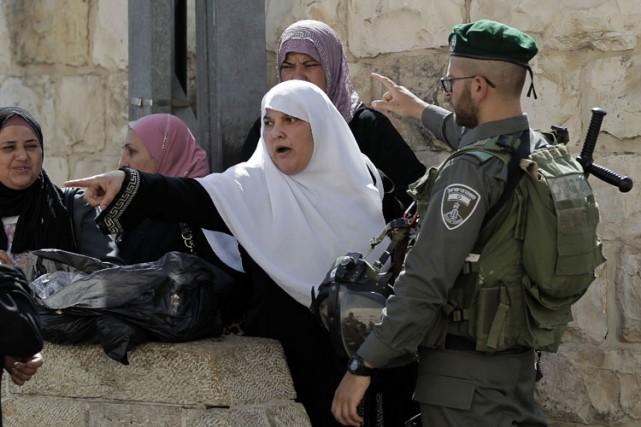 Des manifestants palestiniens ont affronté la police israélienne dans un lieu... (Photo: AFP)
