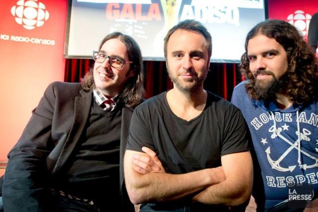 L'incontournable animateur Louis-José Houde est entouré des Denis... (Photo La Presse, Marco Campanozzi)