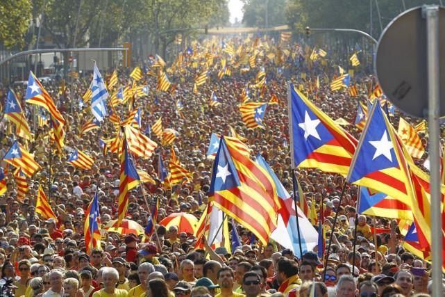 Le gouvernement catalan veut demander aux 7,5 millions... (PHOTO QUIQUE GARCIA, ARCHIVES AFP)