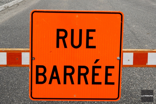 La circulation sera lourdement perturbée sur la rue King Est la semaine... (Archives La Tribune)