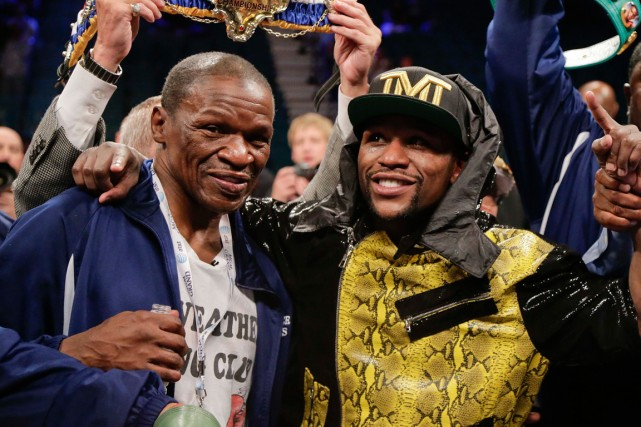 Floyd Mayweather senior et son fils.... (Photo Rick Bowmer, archives AP)
