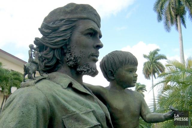 Le Che et l'enfant symbolise la transmission des... (Photo Simon Chabot, La Presse)