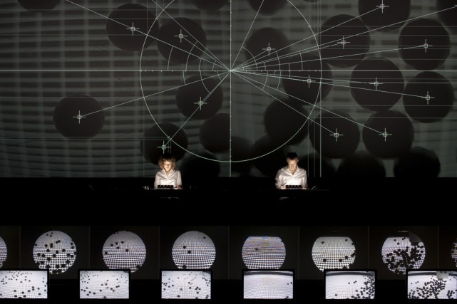 Superposition de Ryoji Ikeda est une performance audiovisuelle... (Photo: fournie par le Musée d'art contemporain)