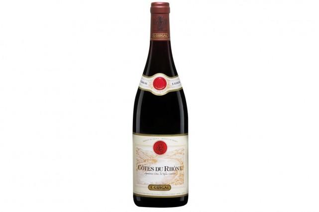 Peu expressif à l'ouverture de la bouteille, ce Côtes du Rhône rouge...